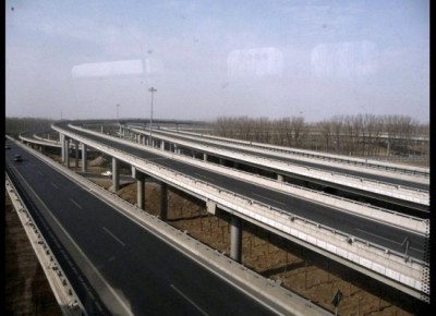 A shot I took of the empty Airport Highway in Beijing during Spring Festival 2011.